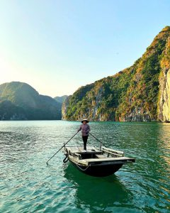 Bai Tu Long Bay travel guide 2019, vung vieng fishing village