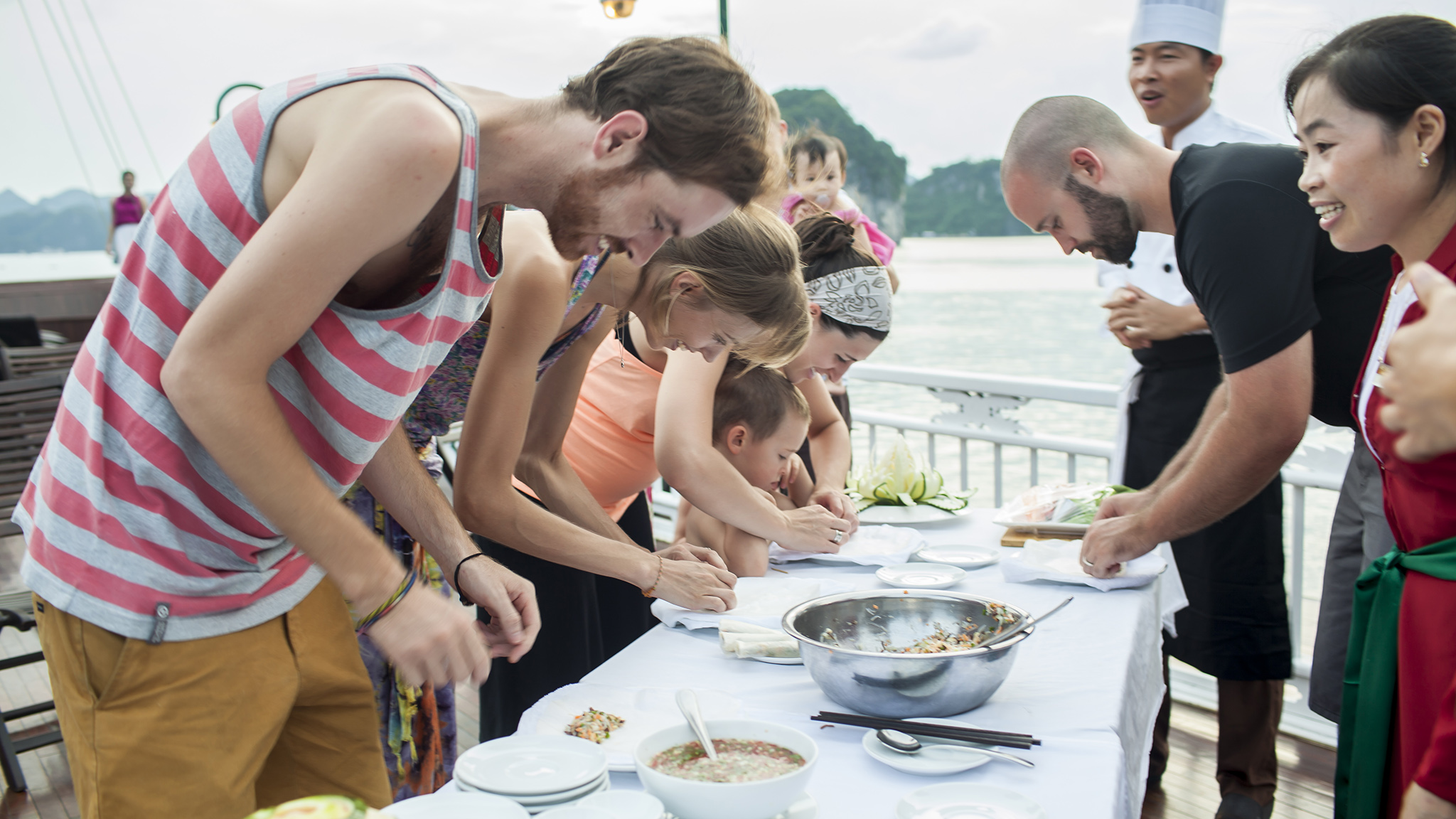Cooking class in halong overnight cruise