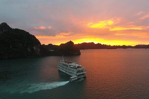 halong bay weather in november