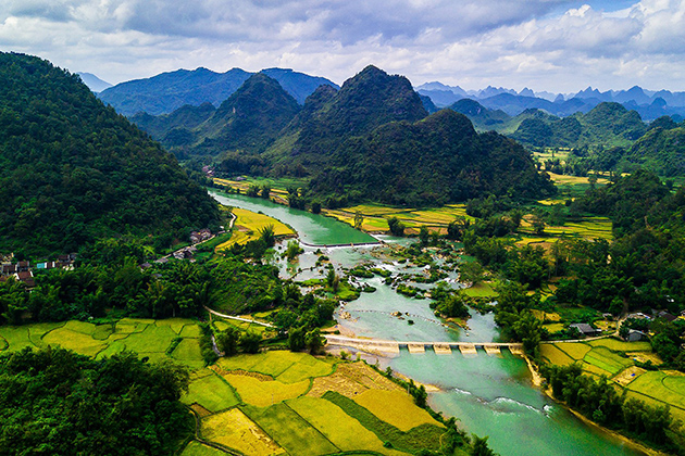standing on the top of moutain to look around cao bang province vietnam