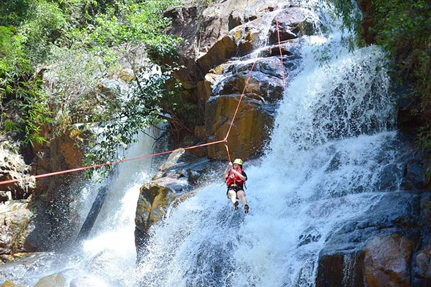 Conquering-the-waterfall-by-rope-in-Dalat