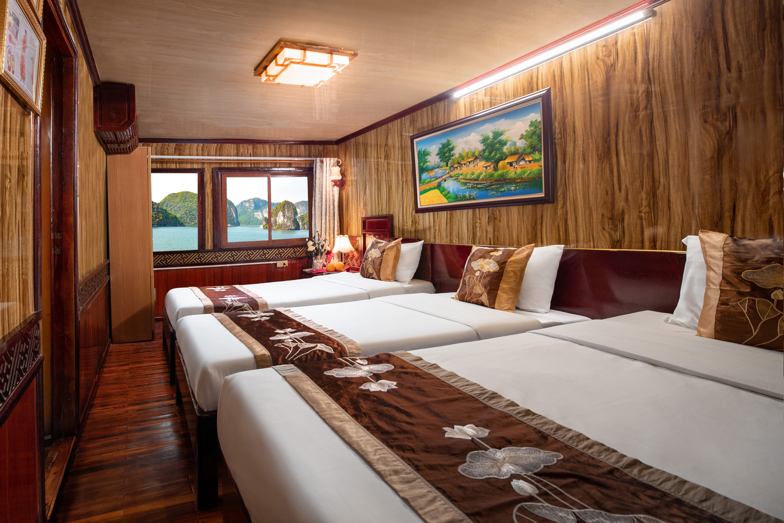 Cozy bay Cruise Deluxe Triple Cabin with sea view