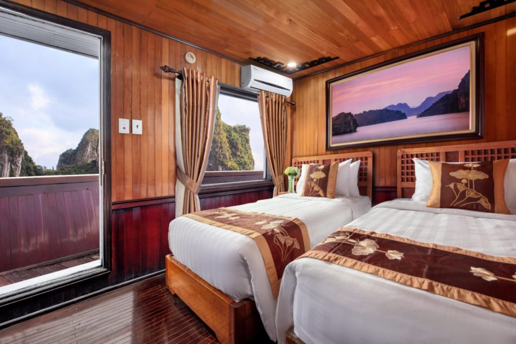 Deluxe Twin Cabin Cozy Bay Classic Cruise