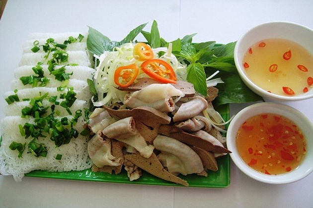 special food in nha trang, fine rice vermicelli with pigs tripes in nha trang vietnam