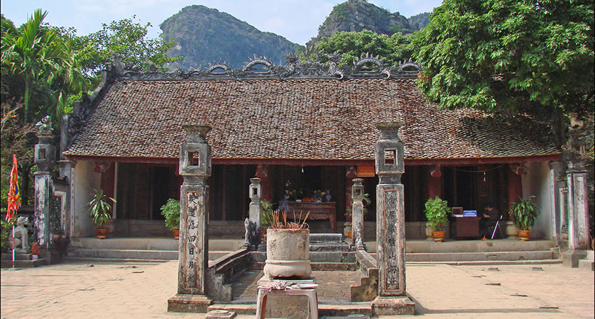 Le King Temple In Ninh Binh