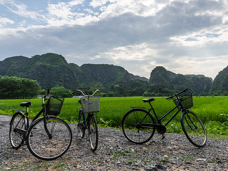 ride bicycle in ninh binh vietnam, vietnam tours, ninh binh tours