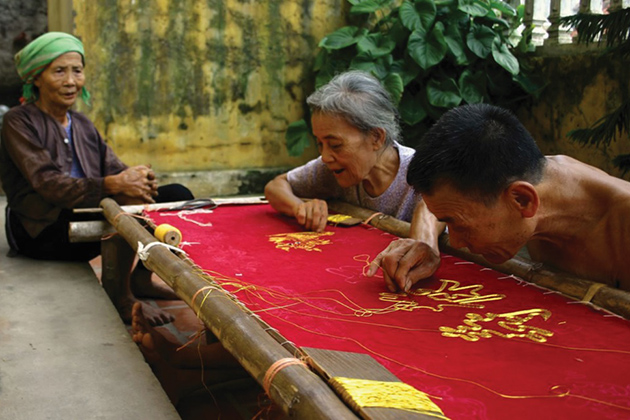 Quat-Dong-Embroidery-Village-1