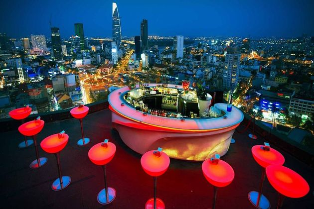 Rooftop-Bar-in-Ho-Chi-Minh-City-viet-nam