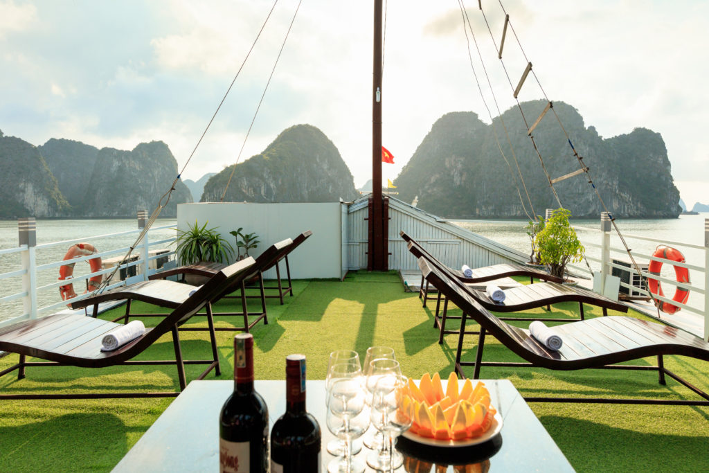 Cozy Bay Classic Cruise, halong bay cruise, overnight cruise in halong bay