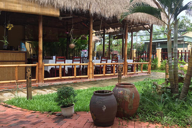 Tropical-Garden-Restaurant