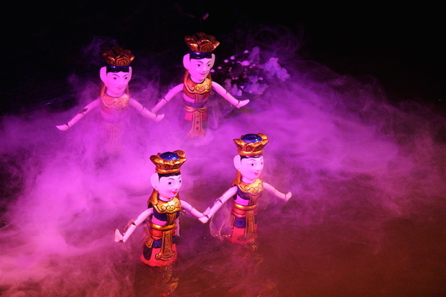 Water-Puppet-Show-in-Hanoi