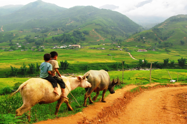 discover ta van village with cozy vietnam travel