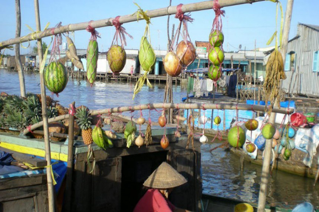 chau-doc-floating-market-vietnam