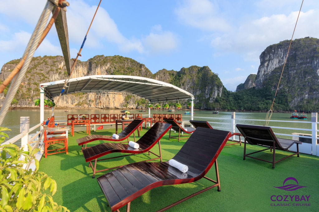 Cozy Bay Classic Cruise, halong bay cruise, overnight cruise in halong bay 4