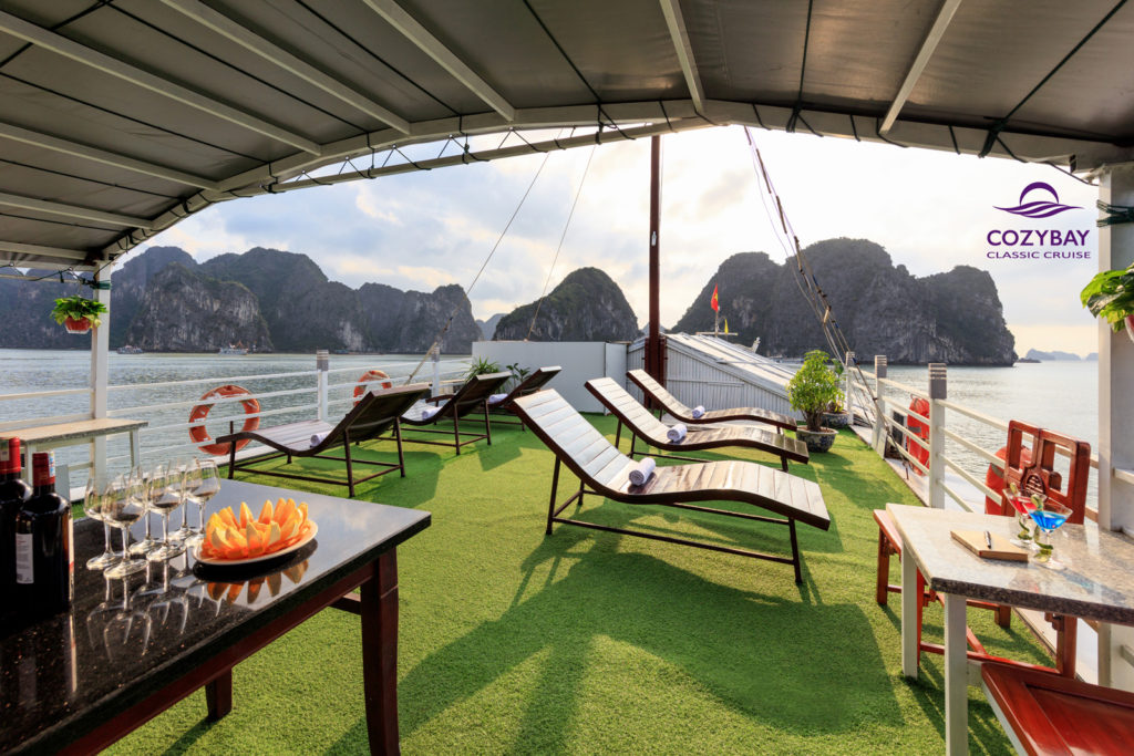 Cozy Bay Classic Cruise, halong bay cruise, overnight cruise in halong bay 5