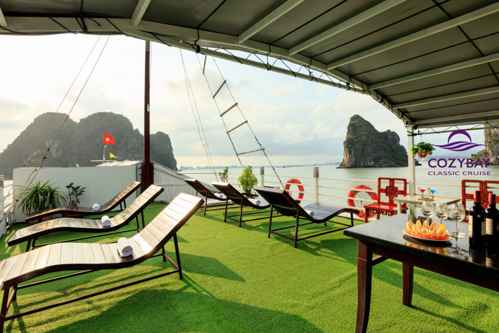 Cozy Bay Classic Cruise, halong bay cruise, overnight cruise in halong bay 1