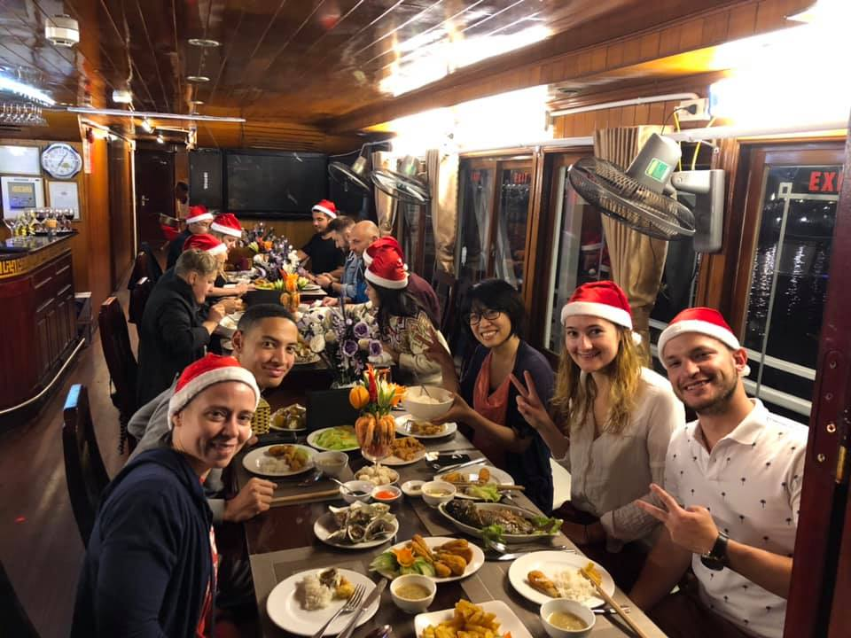 Cooking class Halong bay 2 days 1 night with cozy bay cruise itinerary