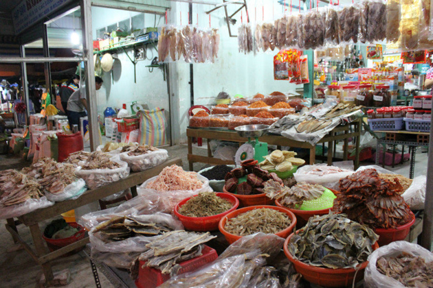 Ha tien market in vietnam, cozy vietnam travel