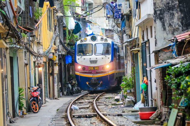 hanoi-train-street-vietnam