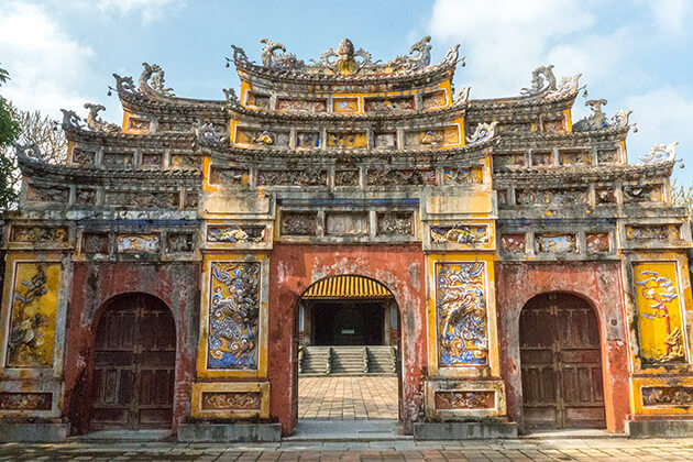hue monument in vietnam, vietnam daily tours, hue daily tours