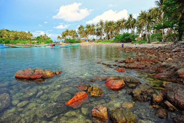 beautiful island in ha tien vietnam, cozy vietnam travel