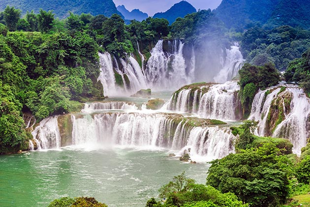 ban gioc waterfall in cao bang vietnam, vietnam travel