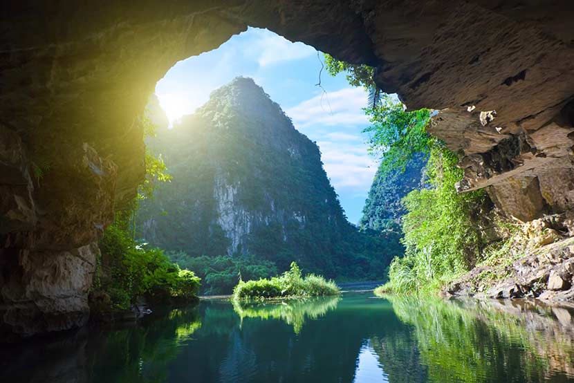 Boat trip through Cave in Tam Coc Ninh Binh