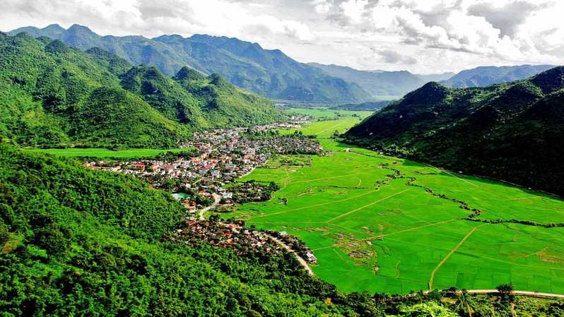 Mai Chau valley in Hoa Binh, Cozy Vietnam Tours