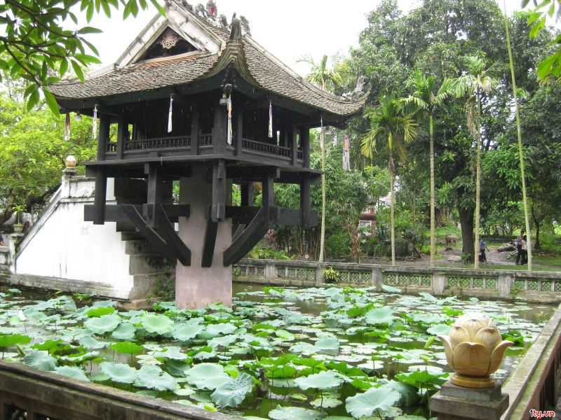 Hanoi City Tour, One pillar pagoda in Hanoi, cozy vietnam travel